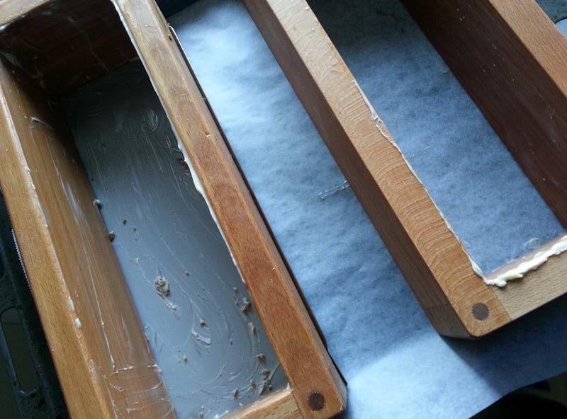 Smør smurte træbageforme